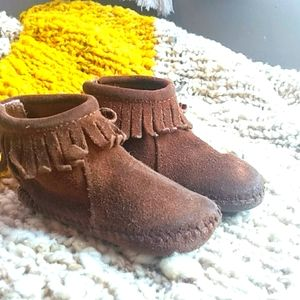 Minnetonka Toddler Moccasin Bootie 🌿